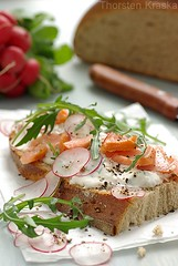 Smoked Salmon Sour Cream (Thorsten (TK)) Tags: food fish bread rustic knife salmon german seafood rocket radish sourcream foodphotography foodpresentation foodstyling arugola thorstenkraska stremllachs
