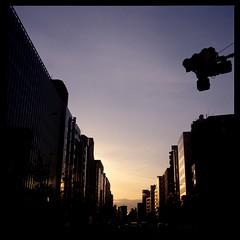 Evening (gullevek) Tags: blue sunset sky reflection building 6x6 film yellow japan geotagged iso100 tokyo evening kodak 日本 東京 signal housebuilding 夕焼け 夜 港区 信吾 rolleiflex28c epsongtx900 kodakektachromeepn100 geo:lat=3564916 geo:lon=139753341