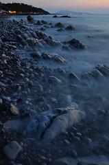 52-P18-Plage de Parlementia (sergecos) Tags: ocean longexposure beach night nikon soir crpuscule plage rocher waterscape atlantique galets ocan poselongue pauselongue cotebasque