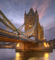 Tower Bridge - London, England (_Harold) Tags: world inglaterra viaje bridge england london colors high travels soft dynamic fb pastel harold colores londres range mundo hdr channel realistic colorespastel suaves towerbridgelondon flickrgt realstica