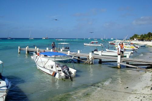 carnival sea southamerica geotagged island pier mar venezuela sony carnaval caribbean 2008 motorboat ilha archipelago lancha losroques caribe américadosul arquipélago w80