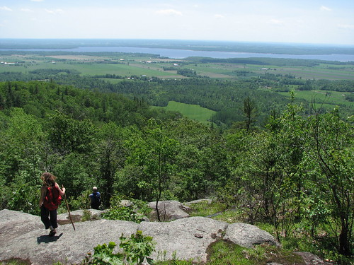 Hiking down the GAT escarpment