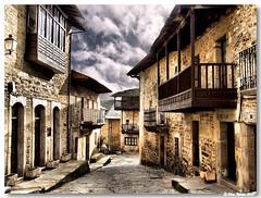 Puebla_Sanabria_Rua06 (vmribeiro.net) Tags: street españa geotagged calle spain espanha z rua puebla puebladesanabria sanabria aplusphoto goldstaraward geo:lat=4205455 geo:lon=663469