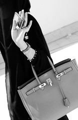 ( Shay6onah ) Tags: girl bag fone herms ignoring birkin 3ba 5asoofy3