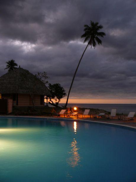 Tieti Tera Beach Resort au crepuscule à poindimie