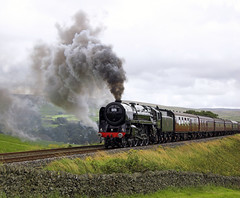 The Fifteen Guinea Special IT57 10 Aug 08 (FlyingScotsman4472) Tags: guinea br oliver no railway class steam special horton carlisle cromwell fifteen settle ribblesdale 70013 britannis it57