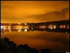 #4 - amber (Zazie [dans l'mtro de Rome]) Tags: moon lake reflection lago lights amber luna nighttime luci notturno riflesso lagodicastelgandolfo ambrato