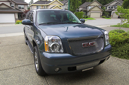 GMC Yukon XL_Denali with Ventvisors