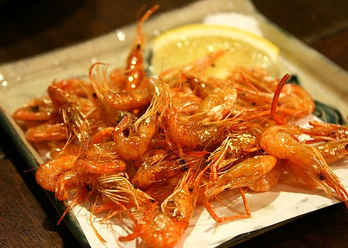 Fried river shrimp with salt