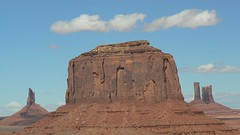 Merrick Butte, Monument Valley (uempe (only sporadically here)) Tags: arizona usa nature rock digital america landscape photo foto natur 2006 panasonic fels navajo monumentvalley amerika landschaft felsen navajotribalpark monumentvalleynavajotribalpark tribalpark panasoniclumixdmcfz7