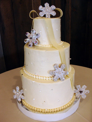 Winter flurries wedding cake