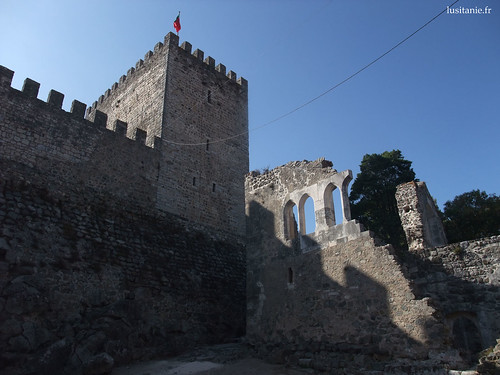O castelo devia ser mesmo magnifico, na Idade Média...
