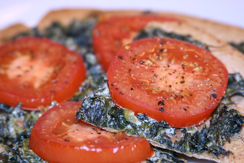 Fresh Tomato and Spinach Pizza