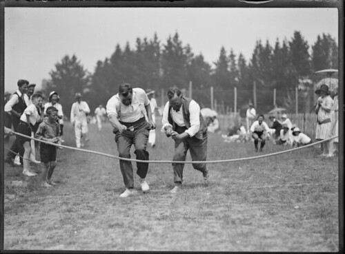 Men competing in an egg and spoon race, c 1927 Photographer: John Reginald Wall Reference number: 1/2-017774-G Glass negative Photographic Archive, Alexander Turnbull Library