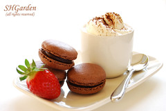Caf gourmand again (*steveH) Tags: food coffee caf strawberry sweet chocolate explore homemade macarons steveh chocolatemacarons cafgourmand macaronsauchocolat