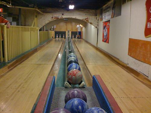 3-pin bowling lanes