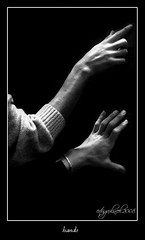 hands... (ertugrulincel) Tags: light blackandwhite bw hands sb eller k siyahbeyaz grouptripod