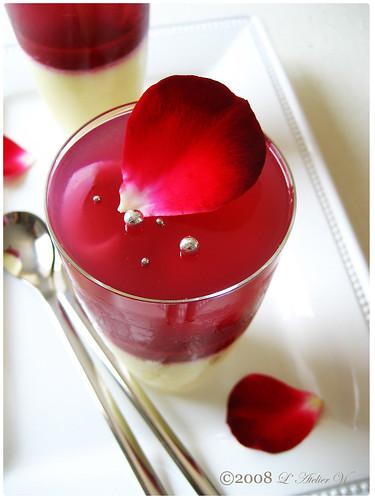 Gelée à la rose et aux litchis, Gelée aux framboises, Crème Suprême