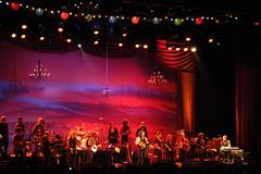Bruce Springsteen and the Seeger Sessions (Labobbanza) Tags: italy music usa rock nikon cowboy guitar milano forum country orchestra trombone brucespringsteen violino assago peterseeger seegersessions bassotuba palaisozaky labobbanza