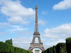 Simetria / Simmetry (Adriano Aurelio Araujo) Tags: mars paris france tower de europa europe torre euro union frana eiffel adriano champ gustave unio platinumheartawards