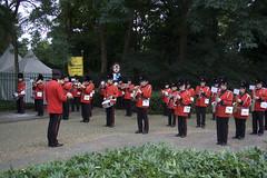 Ontvangst door de Koninklijke Harmonie Den Bosch (Omroep Brabant) Tags: show licht avond denbosch jubileum begraafplaats koninklijke harmonie kerkhof viering omroepbrabant orthen wwwomroepbrabantnl 150jarig
