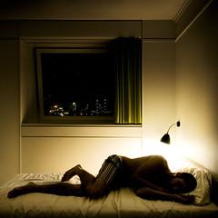 in translations (Ibai Acevedo) Tags: city light portrait window lost ventana hotel luces bed retrato room hard ciudad several cama far duro coma translations habitacioff