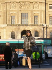 Paris 08-12-11-39 (french_lolita) Tags: black skirt gloves tweed