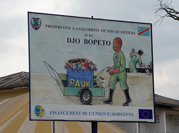 Salubrité à Kinshasa : un panneau publicitaire
