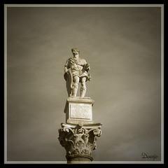 Alameda de Hercules (Doenjo) Tags: espaa geotagged sevilla andaluca alamedadehrcules anticando doenjo sepiaybn retofs1 retofs2 lmdd