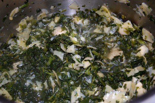 spinach and artichoke cooking