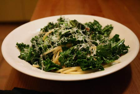 Spaghetti with Sauteed Kale