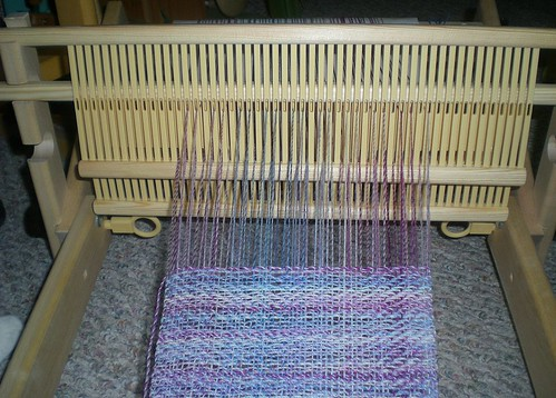 Two heddles, in action