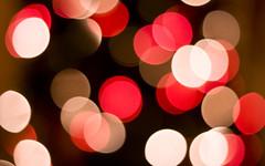 New Year (victoria.anne) Tags: red white festive winnipeg bokeh 2009 mychristmastree happybokehwednesday hellonewyear anotheryearitwastolearnasongonguitar byechristmas libraryhunt doyousayyourgoingtojoinalibraryorisitgetamembershipwithalibraryoridontknowhowyouwouldputitexactly oneyearmyresolutionhad3goalsand1ofthe3wastotrytheseafoodsubatsubwayitwasgross