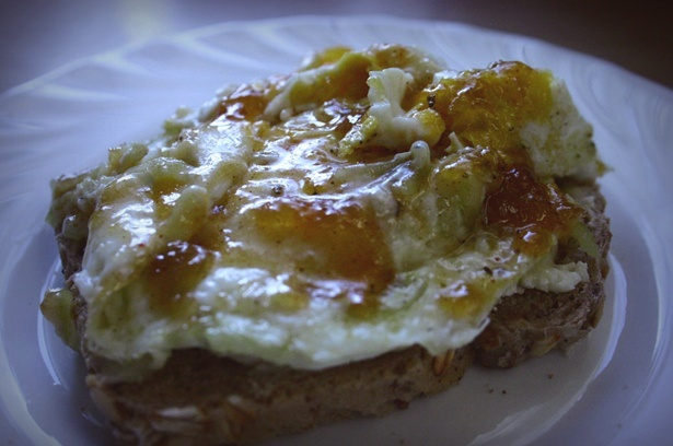 breakfast: bread with cammembert, egg and chutney