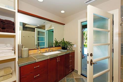 4641 South Lane - (25) bath