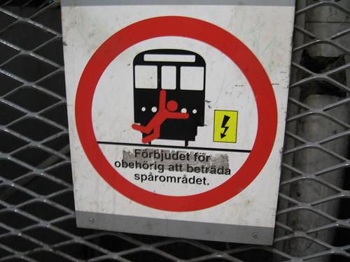 Förbjudet att kasta sig framför tåget