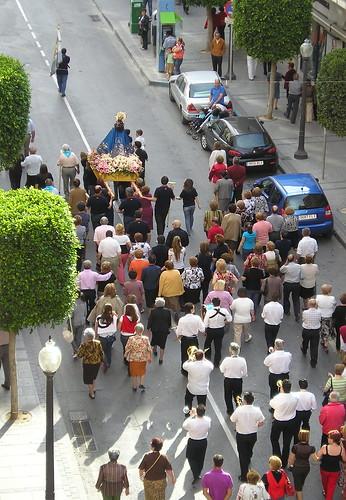 La Virgen en la calle