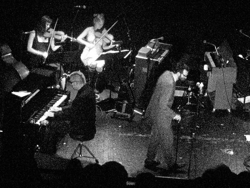 eels (with strings) - live @ somerville theater - june 29, 2005