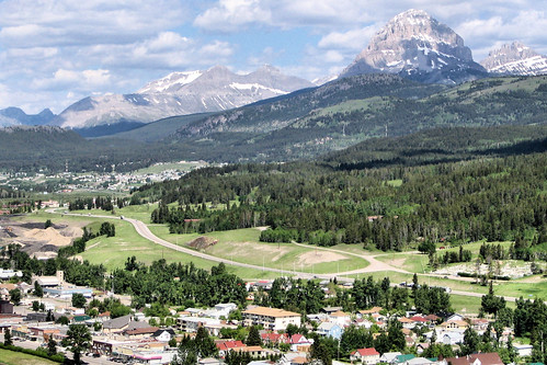 crowsnest pass guys Two calgary men have been charged with fraud and theft involving 800 people and a loss of $33 million in a proposed real estate development in the community of crowsnest pass.