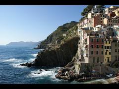 Scogliera di Riomaggiore, Cinque Terre (AlexShot Photography) Tags: panorama landscape landscapes mare liguria cinqueterre paesaggi paesaggio riomaggiore