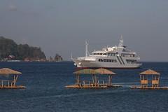 IMG_2876 (Frisno) Tags: ocean island boat asia asien ship yacht philippines huts hut filipino batangas pinoy philipines pilipinas luzon phillipines pinas phillippines filippinerna filipinsk filipinerna filippinsk crystalexplorer