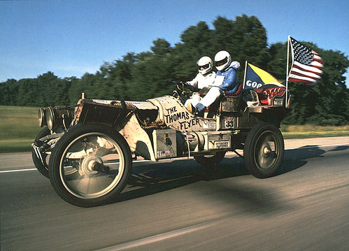 1907 Thomas Flyer.jpg por greatracecom.