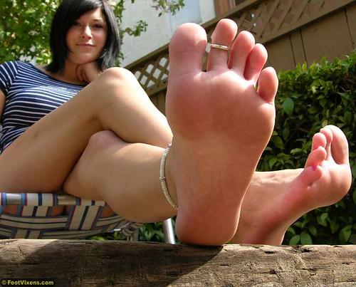 barefootgirl1 by sumitisgreat1987