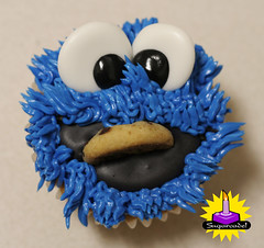 Cookie Monster with Cookie! (mandrake68) Tags: street blue hairy monster christy cupcakes cookie sesame vision vanilla om buttercream nom sugarcade