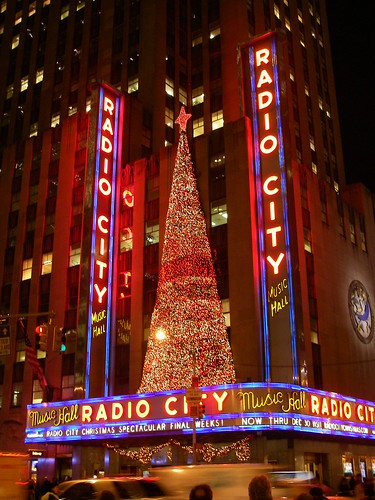 Radio City Music Hall by Klingon65.