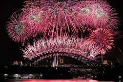 Sydney 2009 New Year Fireworks III (L Plater) Tags: longexposure nightimages sydney australia coathanger harbourbridge 2009 balmain happynewyear nyefireworks newyearfireworks almostanything flickrelite bestofaustralia nye2008 lplater unlimitedphotos newyearseve2008 mortbaypark 31dec08 vivacitysydney2009