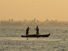 P1110881 (Santosh PM) Tags: india boat fishermen backwaters alleppey veniceoftheeast inlandwaterways keralatourism kottayamalleppeyboatride