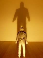 id Vs. super-ego (_pARTicia_) Tags: grande museu id sombra escultura sia parede pequeno medo fotografias superego museudeserralves breatheme juãnmuñoz