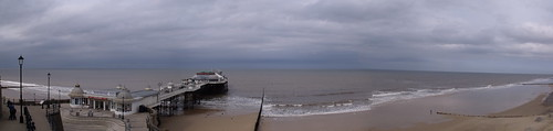 The sea and beach at Cromer - Panoramic