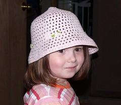 Kim  tête a chapeau!